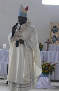 Bishop addressing the faithful