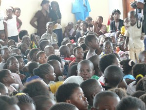 Many kids watched the event